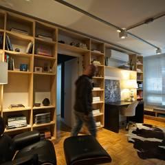 Salones de estilo  de Super StudioB, Moderno Madera Acabado en madera