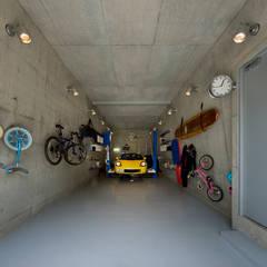 ガレージ: モリモトアトリエ / morimoto atelierが手掛けたガレージです。