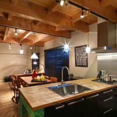 I's HOUSE: dwarfが手掛けたキッチンです。,クラシック