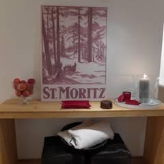 Ferienwohnung Celerina:  Flur & Diele von RH-Design Innenausbau, Möbel und Küchenbau  im Raum Aarau
