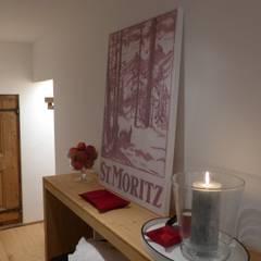 Eingangsbereich:  Flur & Diele von RH-Design Innenausbau, Möbel und Küchenbau  im Raum Aarau