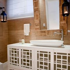 Karla Silva Designer de Interiores Ванная комната в тропическом стиле