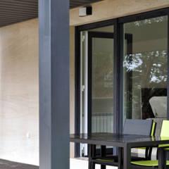 Casas Cube: casa prefabricada de 75 m2: Casas de estilo  de Casas Cube