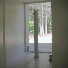 Modern bathroom by SL atelier voor architectuur Modern