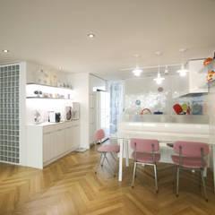 파스텔톤의 따뜻한 신혼집 _ 33py: 홍예디자인의  주방