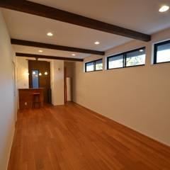 Lake Side House: 株式会社スタジオ・チッタ Studio Cittaが手掛けたホームジムです。
