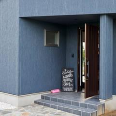 Corridor and hallway by 株式会社スタジオ・チッタ Studio Citta