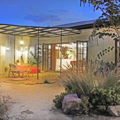 Moderne huizen van Juan Carlos Loyo Arquitectura Modern
