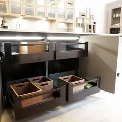 Diseño de Cocina de Casa Decor 2015: Cocinas de estilo  de Línea 3 Cocinas Madrid
