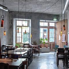 Salas de jantar industriais por homify Industrial