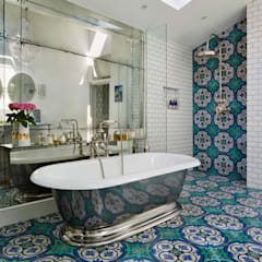 Victorian Terrace House, South-West London Drummonds Bathrooms Baños de estilo mediterráneo Azulejos