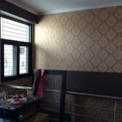 Duplex apartment (Gaur Gracious):  Terrace by Decor At Door