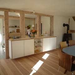 ห้องครัว by Planungsgruppe Barthelmey