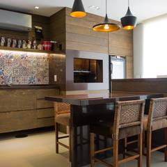 DUPLEX   COND. BOULEVARD D´ORLEANS: Terraços  por Aline Dal Pizzol Aquitetura de Interiores