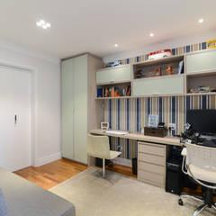 مكتب عمل أو دراسة تنفيذ LAM Arquitetura | Interiores , حداثي