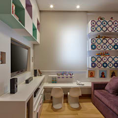 Apartamento IC: Salas multimídia  por Isabela Canaan Arquitetos e Associados