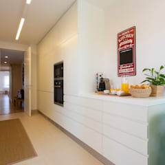 Andar Modelo - Oeiras: Cozinhas  por Traço Magenta - Design de Interiores