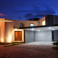 Fachada principal: Casas de estilo  por Narda Davila arquitectura
