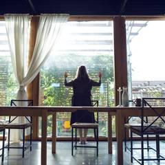 Canopy House: Столовые комнаты в . Автор – PIAFF,
