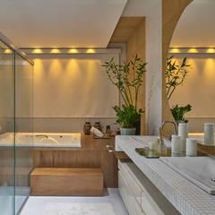Residência AM: Banheiros  por Isabela Canaan Arquitetos e Associados,Moderno