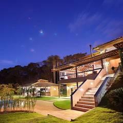 منازل تنفيذ Moran e Anders Arquitetura