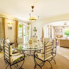 Dining room by PASSAGE CITRON,