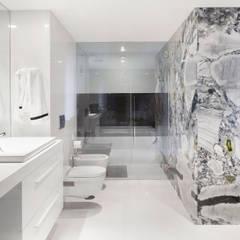 Casa de banho suite GAVINHO Architecture & Interiors Casas de banho minimalistas Mármore Branco