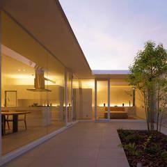 Terrace by MANI建築デザイン事務所