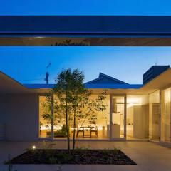 自由ヶ丘の家: MANI建築デザイン事務所が手掛けたベランダです。