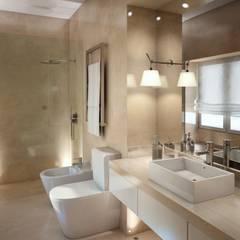 Moradia Sintra: Casas de banho  por MRS - Interior Design