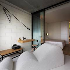 NPL. Penthouse:  Study/office by Olga Akulova DESIGN, Industrial