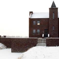 Woonhuis en B&B te Klarenbeek: eclectische Huizen door Architectenbureau Van Erken Calandt
