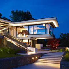 VILLA HOLLYWOOD:  Häuser von LEE+MIR