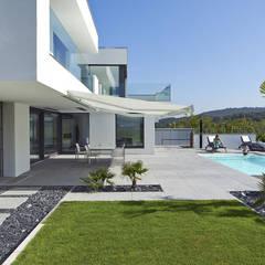 VILLA BELICE:  Garten von LEE+MIR