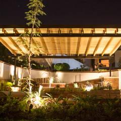 minimalistic Garden by Región 4 Arquitectura