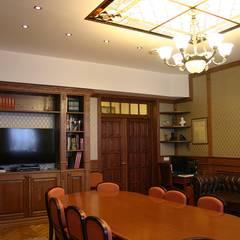 Escuelas de estilo  por Архитектурно-дизайнерская компания Сергея Саргина