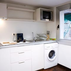 Cocina práctica:  Kitchen by Upper Design by Fernandez Architecture Firm