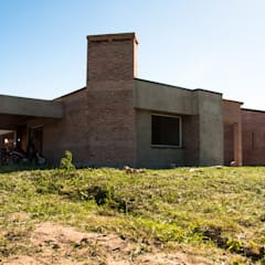 CASA ZURLO - BARDUCCO Casas modernas: Ideas, imágenes y decoración de norte.ARQ Moderno Ladrillos