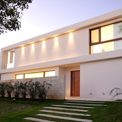 CASA EN GOLF CLUB NORDELTA, BUENOS AIRES, ARGENTINA: Estancias de estilo  por Ramirez Arquitectura,Moderno Piedra