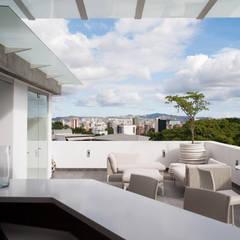 PH Castellana Real: Terrazas de estilo  por VODO Arquitectos,