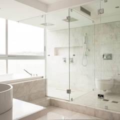 PH Altozano: Baños de estilo  por VODO Arquitectos, Moderno