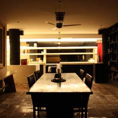проект реконструкции виллы на о. Бали, 2009: Столовые комнаты в . Автор – PK AID,