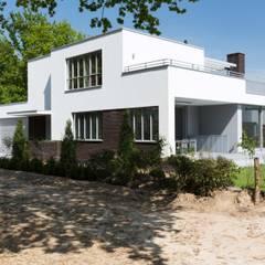 Strijp-R Boskavel 4:  Huizen door architectenburo ZIJN, Modern