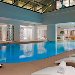 95m² Indoor Pool:  Hotels von schienbein+pier