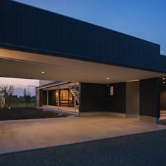 eclectic Garage/shed by 空間設計室/kukanarchi