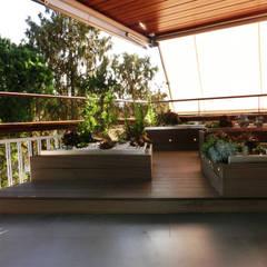 Terrazas de estilo  por Daifuku Designs