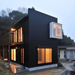 خانه ها by 若山建築設計事務所