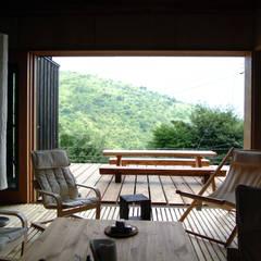 Comedores de estilo  por 樋口善信建築計画事務所 , Asiático Madera Acabado en madera