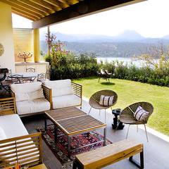 Casa Horizonte 9: Terrazas de estilo  de Mayúscula Arquitectos