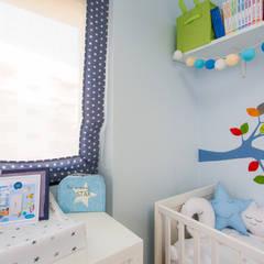 Después: Dormitorios infantiles de estilo  de RoomRoomBebé